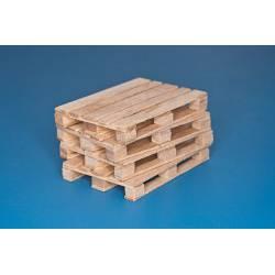 Four natural wood pallets. RB 35D30