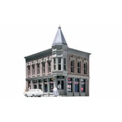 Edificio en esquina. DPM 51300