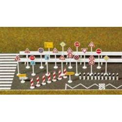Set de señales de tráfico.