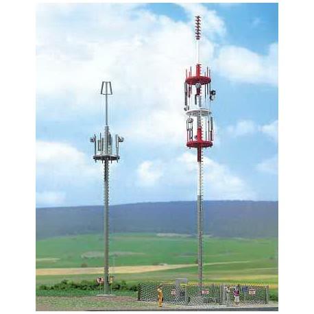 Dos torres de telefonía. BUSCH 1021