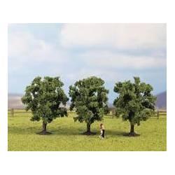 3 árboles frutales.