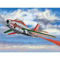 F-84F Thunderstreak. ITALERI 2703