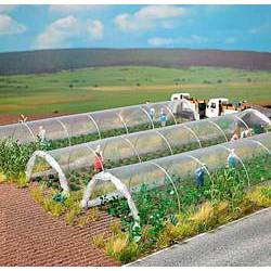 Clear plastic plant tunnels. BUSCH 1399