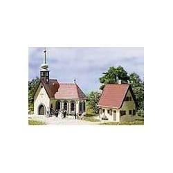 Iglesia y vicaría.