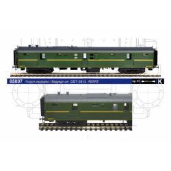 Furgón equipajes RENFE con calderín, DDT-5013.
