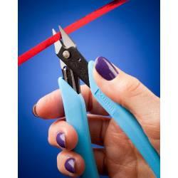 High precision scissor.