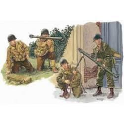 US Army antitank team.
