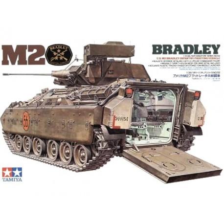 Bradley M2 Infantry Combat Vehicle. TAMIYA 35132