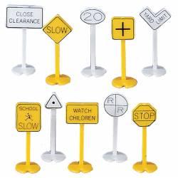 Street signs. BACHMANN 42204