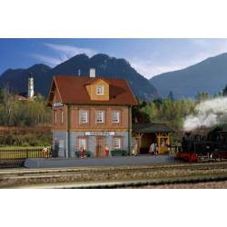 """Estación de tren de """"Sondernau"""". KIBRI 37757"""