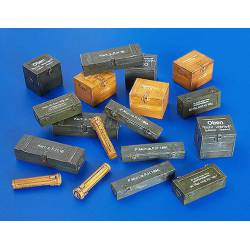 Ammunition containers - Germany WWII. PLUS MODEL 4021