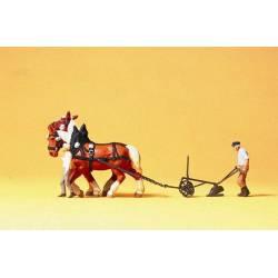 Farmer with plow 2 horses. PREISER 30431