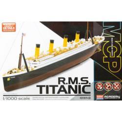 RMS Titanic. ACADEMY 14217