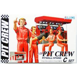 Pit crew. FUJIMI 25