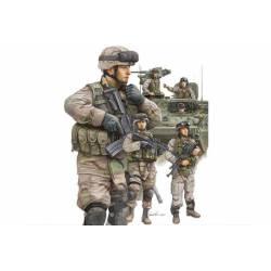 Soldados USA modernos, carristas e infantería.