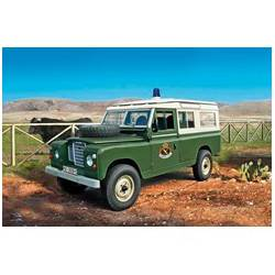 "Land Rover III 109 ""Guardia Civil"". ITALERI 6542"