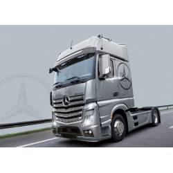 Mercedes Benz Actros Gigaspace. ITALERI 3905