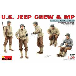 Dotación Jeep y Polícia.