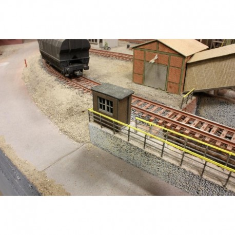 Small track house. JOSWOOD 40046