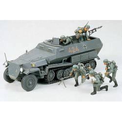 Hanomag Sd.Kfz. 251/1. TAMIYA 35020