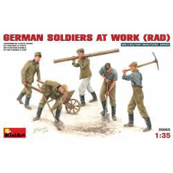 German soldiers at work (RAD).