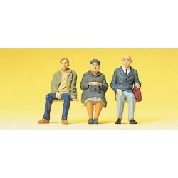 Tres pasajeros sentados. PREISER 63055