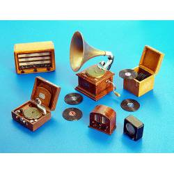 Gramófonos y radios.