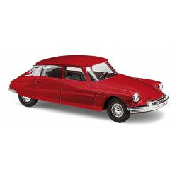 Citroën DS19, red.