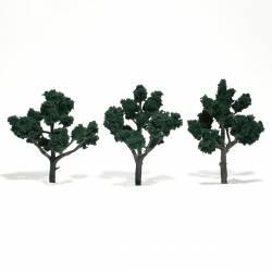 3 árboles, verde oscuro.