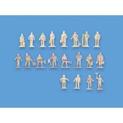 Unpainted figures. MODEL SCENE 5156