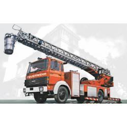 Camión de bomberos Iveco Magirus DLK 23-12. ITALERI 3784