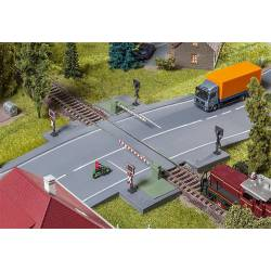 Railway gate with drive parts. FALLER 120244
