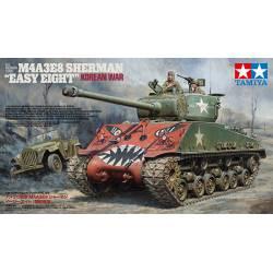US medium tank M4A3E8 Sherman. TAMIYA 35359