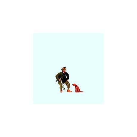 Seated huner with dog. PREISER 28129