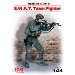 Miembros de las Fuerzas Especiales (S.W.A.T.).