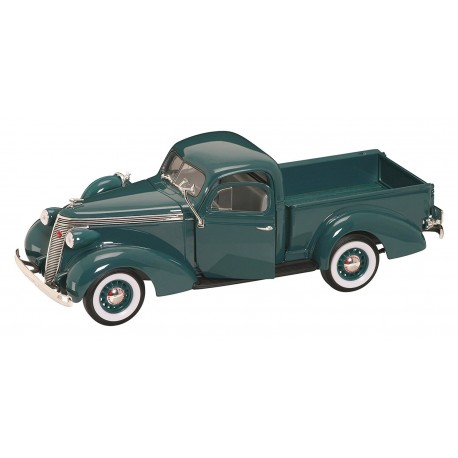 Pick up, Studebaker Coupe, green.
