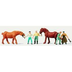 Herreros y caballos.