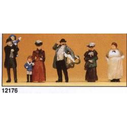 Passers-by around 1900. PREISER 12176