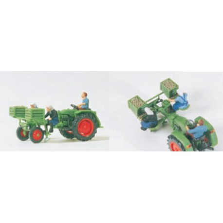 Tractor with potato planter. PREISER 17935
