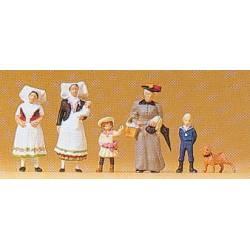 Madre, hijos y amas de cría (1900).