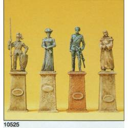 Cuatro estatuas antiguas.