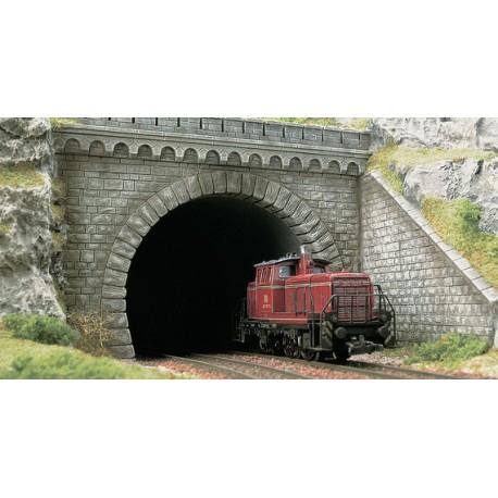 Boca de túnel con muro lateral. BUSCH 7023