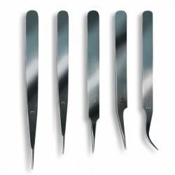 Cinco pinzas de precisión.