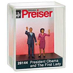 Barack and Michelle Obama. PREISER 28144