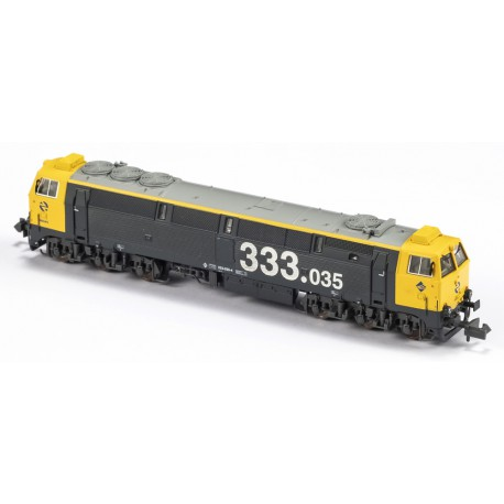 Diesel locomotive 333-035, RENFE. Sound.