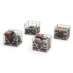 Pallets metálicos con carga.