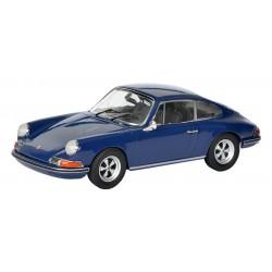 Porsche 911S Coupe.