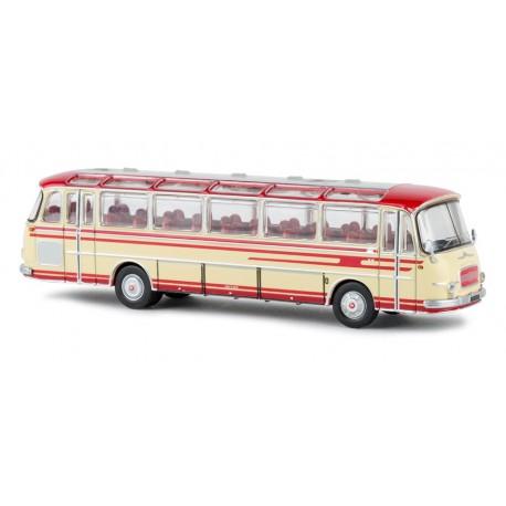 Autobus Setra S 12, rojo/beige.