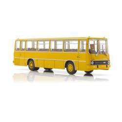 Autobus Ikarus 255, amarillo.