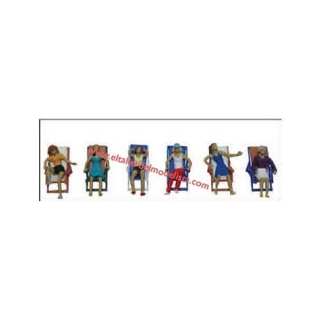 Sentados en tumbonas. ANESTE 4046